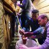 Бутилиране на жива бира по време на тиймбилдинг, бирено парти - организирай тиймбилдинг с Направи си бира ООД